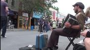 Най лудия уличен музикант който сте виждали