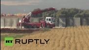 Турция: Армията вдигна стена на границата със Сирия