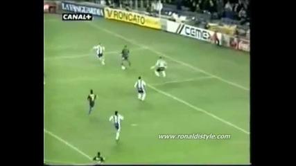 Ronaldinho Skills
