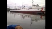 Преобръщане на кораб при спускането му на вода!