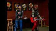 Jonasite v Hannah Montana