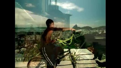 Snoop Dogg Featuring Pharrell - Beautiful ft. Pharrell