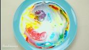 Какво се случва когато смесите мляко и препарат за съдове с различни цветове?