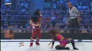 Smackdown 2009/07/31 Michelle & Layla vs Melina & Eve