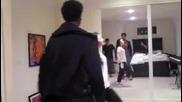 Репетиция на танца за рожденият ден на Деми