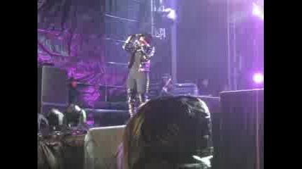 Rihanna - Umbrella Live Bulgaria