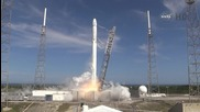Ракетата Falcon 9 изведе успешно в космоса капсулата Dragon