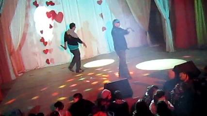 Mi7ko feat. Sten - В ритъм залитам; Хора зад гърба (концерт версия) Добрич 10.02.2012