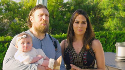 Nikki Bella and John Cena show off their San Diego home: Total Bellas Bonus Clip, May 20, 2018