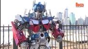 Много добро изпълнение - Real Life Ню Йорк Transformer Robot