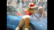 Две снежанки лъскат Corvette