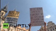 Czech Republic: Scuffles at anti-refugee rally as right-wing speaker detained
