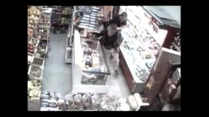 Крадци В Магазини