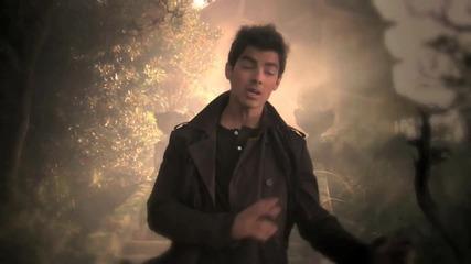 Превод!!! Jonas L. A. - Invisible ( Official Music Video ) ( Високо Качество )