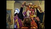 Тропар на Честния Кръст (спаси Господи Твоите люде)