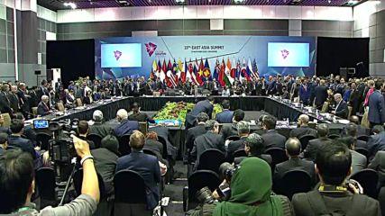 Singapore: Putin participates in ASEAN Summit joint photo-shoot