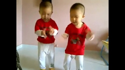 Twins Gangnam Style — with original video 2013