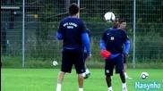 Дарко Тасевски и Жо дриблират на тренеровката на Левски в Австрия
