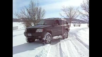 Jeep Grand Cherokee Wj in the snow