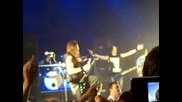 Matt Tuck sings Happy Birthday to Zakk :)