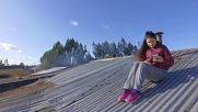 Chile: Poor internet connection forces students in rural areas to do home work on rooftops