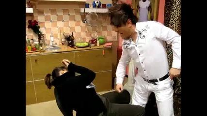 Жоро Бекъма удря момиче от 24 часа - ( Смях )