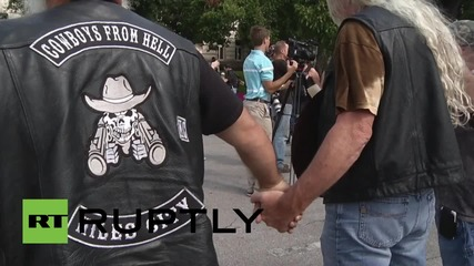USA: Bikers wield guns in protest over Twin Peaks shootout