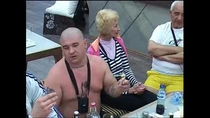 Big Brother F - Давид и Николай сe напиват 03.04.2010