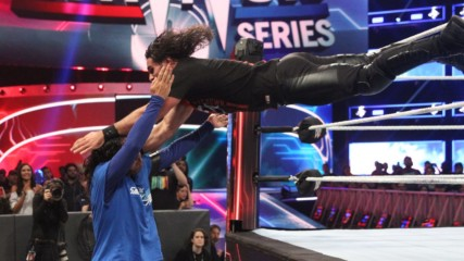 Seth Rollins throttles Shinsuke Nakamura with 3 dives in a row: Survivor Series 2018 (WWE Network Exclusive)