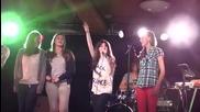 Olivia, Alissa en Celine zingen Rsvp met Lauren Anny J