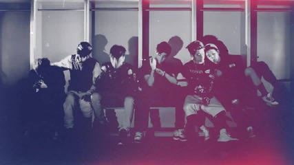 Team B stay {win}