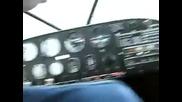 Пилот на самолет се преструва на припаднал !