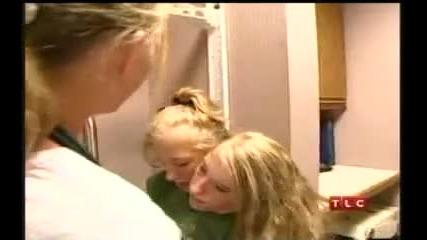 Животът на сиамските близнаци Abby и Brittany Hensel