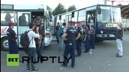 Hungary: Hundreds of refugees board buses bound for Osijek, Croatia