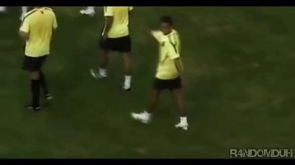 Javier Hernandez Showing His New Skills!