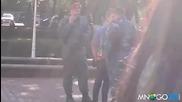 Сам срещу двама полицаи