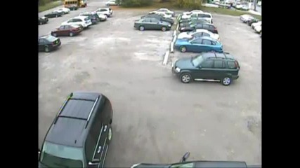 Bmw x5 катастрофира на паркинг