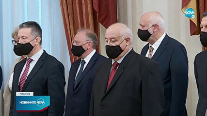 Служебното правителство положи клетва и встъпи в длъжност (ВИДЕО)