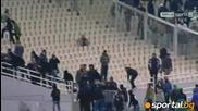 Феновете нахлуха на терена след загубата на Панатинайкос от Волос
