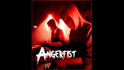Angerfist Mainaaa :d