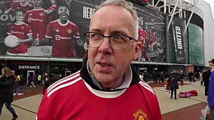 UK: Manchester United fans arrive at Old Trafford ahead of Liverpool clash