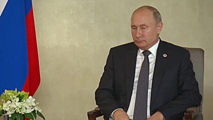 Singapore: Putin holds talks with South Korea's Moon