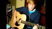 Момче пее One Less Lonely Girl на Justin Bieber