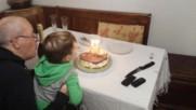 Филипчето се опитва да духне свещите на тортата! :) 02.декември.2017г.