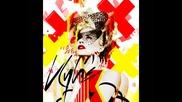 Kylie Minogue-spinning around