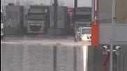 """Граничен пункт """"Капитан Андреево"""" е под вода - ексклузивни кадри"""