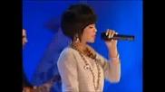 Rihanna - Umbrella (Live)