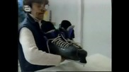 Изнежения Денислав иска да кара с красиви кънки:))music idol 11.04.08