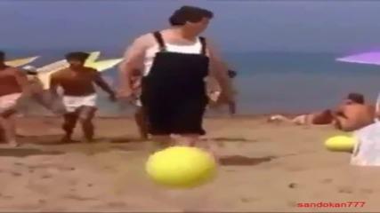Забавно видео ! Да ритнеш топката