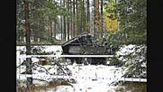 Трима финландци загинаха при сблъсък на влак с БТР